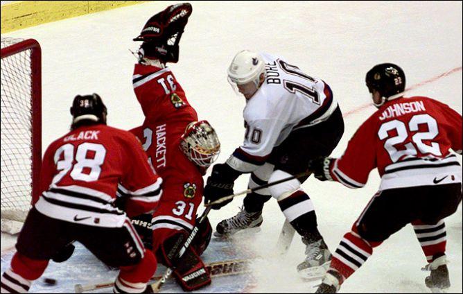 "Лучшим новичком НХЛ сезона-1991/92 стал Павел Буре, а его младший брат был задрафтован ""Монреалем""."