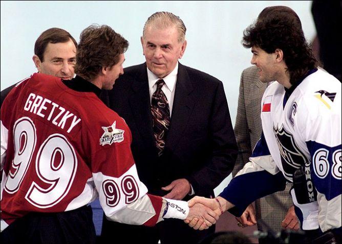 Матч всех звезд НХЛ. Капитаны команд Уэйн Гретцки и Яромир Ягр.