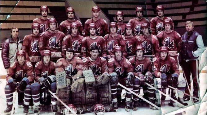 """История хоккейного противостояния Казани и Уфы началась очень давно. Когда еще не было """"Ак Барса"""", а был ХК им. Урицкого."""