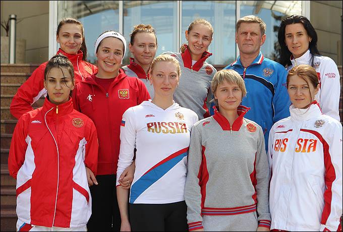 Женская сборная России по шпаге готовится покорить столицу Британии не только своей красотой.