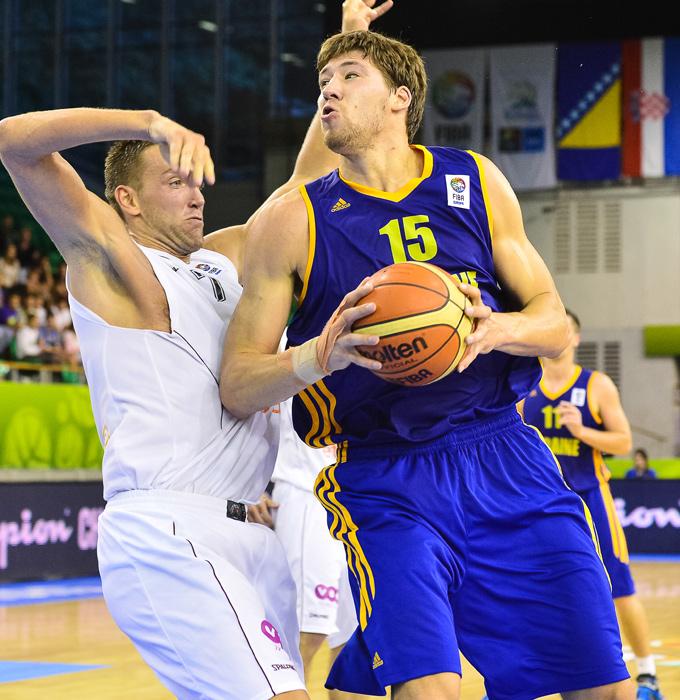 Один из героев матча с Израилем — центровой сборной Украины Вячеслав Кравцов