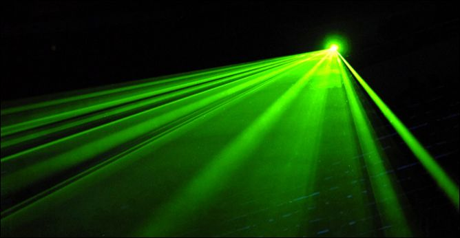 Но кроме хоккея всегда есть место красивому лазерному шоу…