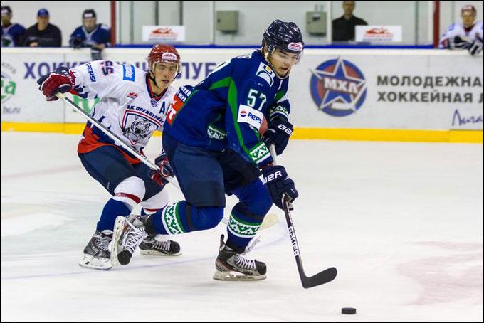 В атаке Александр Петров