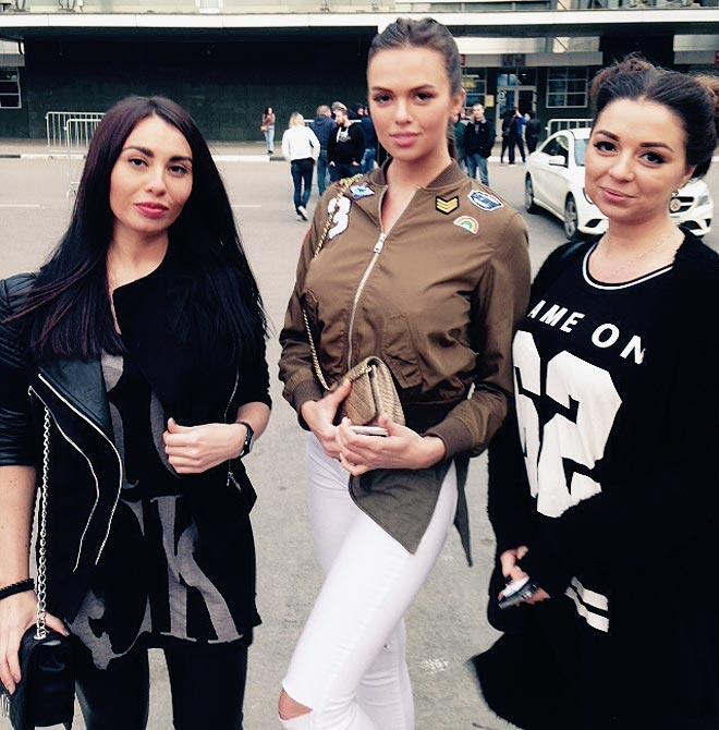 Аня, Вика и Юля