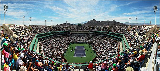 Центральный корт в Индиан-Уэллсе — один из крупнейших в мире теннисных стадионов