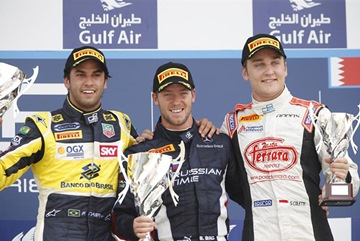 Фелипе Наср, Сэм Бёрд и Стефано Колетти на подиуме GP2 в Бахрейне