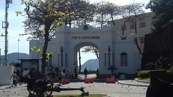 Форт Копакабана, где помимо велоспорта пройдут соревнования по триатлону