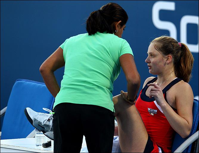 Чакветадзе не смогла закончить матч из-за судорог.