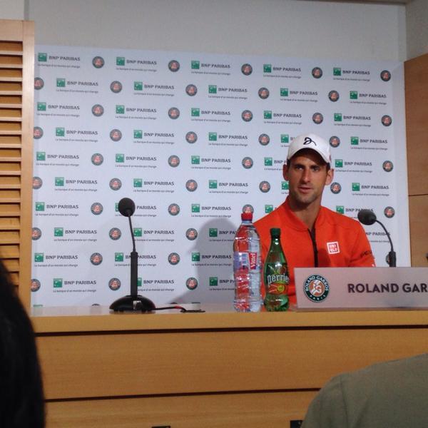 На пресс-конференции Новак Джокович рассказал, что, к счастью, серьёзной травмы у него нет.