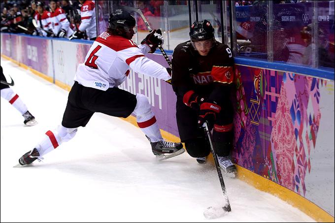 Мэтт Дюшейн против сборной Австрии