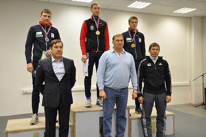 Нижний ряд. Слева направо: Борис Калашников, Евгений Редькин, Виктор Майгуров.
