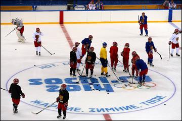 Тренировка сборной России на сочинском льду