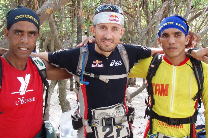Десятки километров под палящим солнцем и с килограммами снаряжения на плечах – это Marathon des Sables