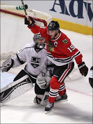 """3 июня 2013 года. Чикаго. Плей-офф НХЛ. 1/2 финала. Матч № 2. """"Чикаго"""" — """"Лос-Анджелес"""" — 4:2. """"Ястребы"""" быстро решили все вопросы в матче"""