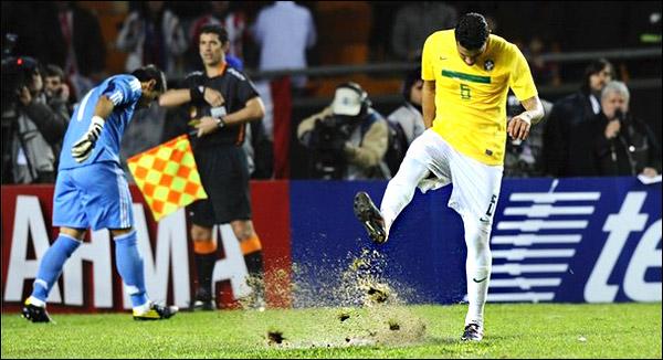 Кубок Америки. 1/4 финала. Бразилия — Парагвай 0:0 (по пен. — 0:2)