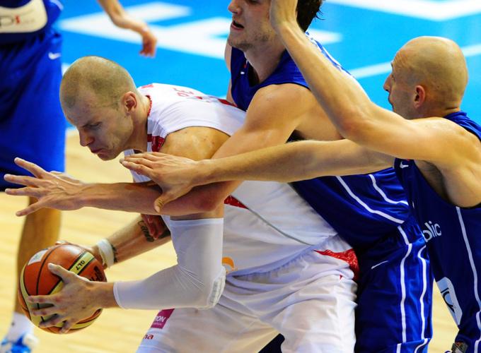 Единственный промах Мачея Лямпе со штрафного, вполне возможно, стоил сборной Польши места во втором групповом этапе