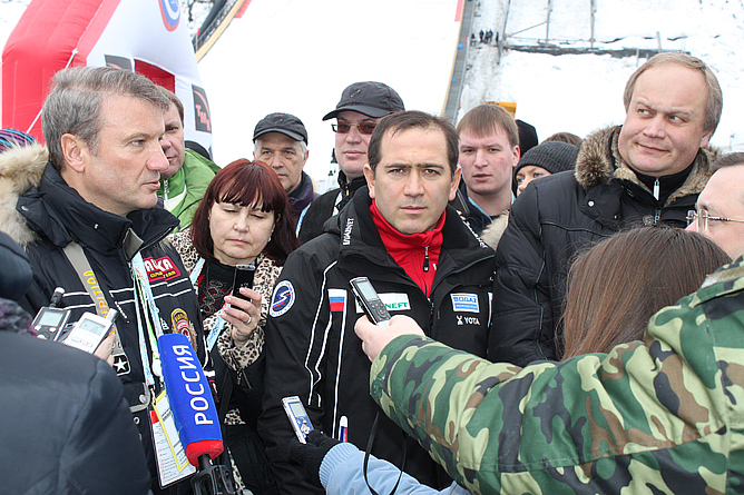 На открытии олимпийского трамплина в Сочи (слева направо): Герман Греф, Ахмед Билалов и Юрий Нагорных