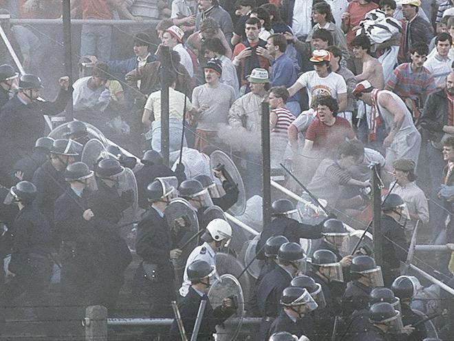 Беспорядки на стадионе «Эйзель»