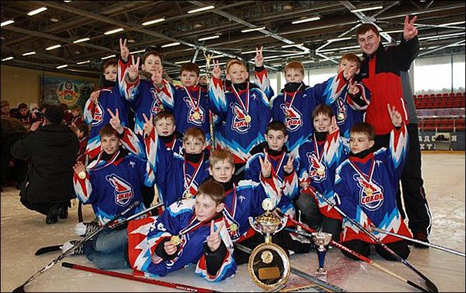 И детско-юношеская хоккейная школа.
