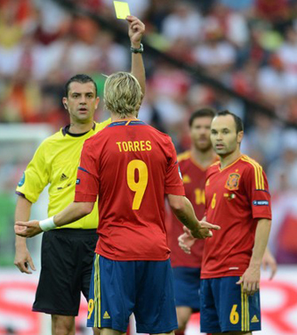 Италия — Испания. Кашшаи наказывает Торреса