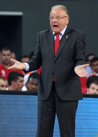 Во время матчей Душан Ивкович всегда эмоционален…