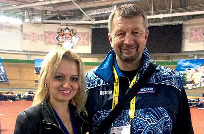 9 мая 2014 года. Минск. Мария Роговская и Сергей Гимаев в пресс-центре чемпионата мира.