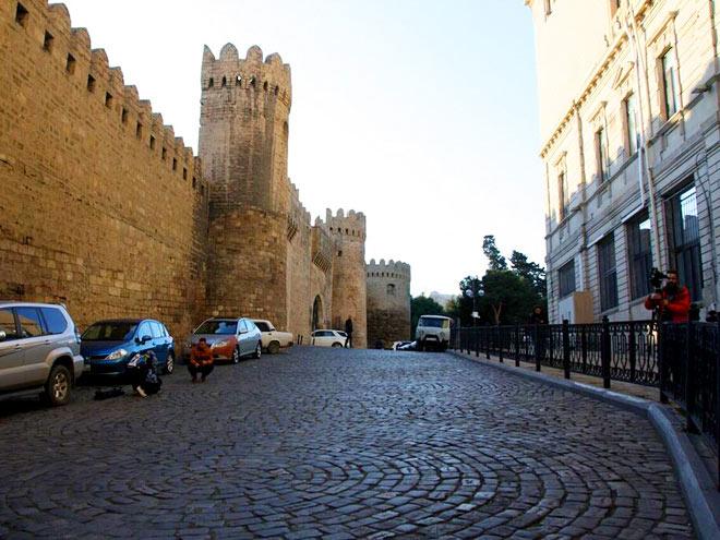 Улицы Баку готовятся принять автомобили Формулы-1
