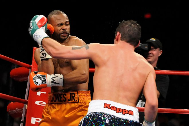 Кальзаге победил Джонса в одностороннем бою