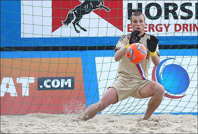 Иван Островский в своём дебютном матче за национальную сборную России