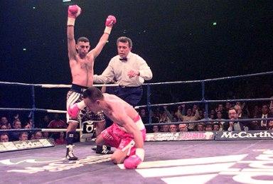 18 апреля 1998 года. Манчестер (Англия, Великобритания). Бой за титул чемпиона мира по версии WBO в полулёгком весе. Соперник: Вильфредо Васкес.