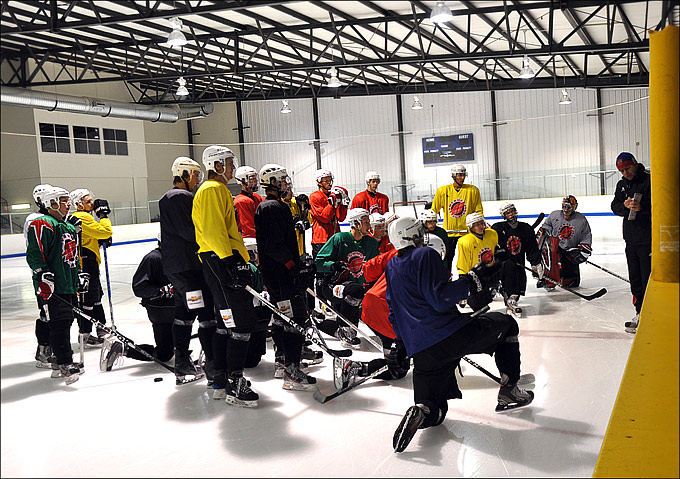 """Омские Ястребы"" продолжают подготовку к ""Hockey Night in Boston"""