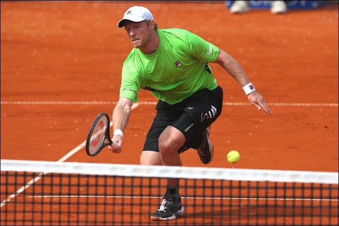 Дмитрий Турсунов победил в паре с Яркко Ниеминеном