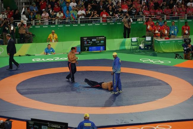 Лежачий протест монгольских тренеров