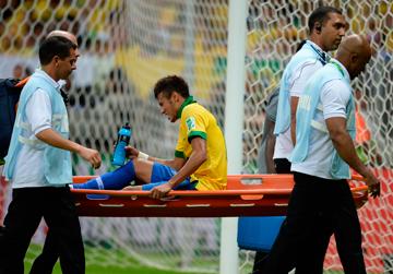 Неймар забил первый гол на Кубке Конфедераций, но на 74-й минуте был вынужден покинуть поле из-за травмы…