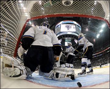 """4 мая 2013 года. Лос-Анжелес. Плей-офф НХЛ. 1/8 финала. Матч № 3. """"Лос-Анжелес"""" — """"Сент-Луис"""" — 1:0. Гол Вячеслава Войнова"""