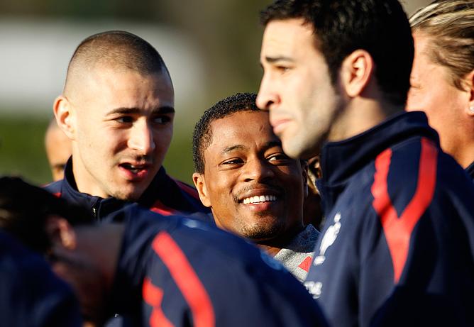 Карим Бензема с партнёрами по сборной Франции