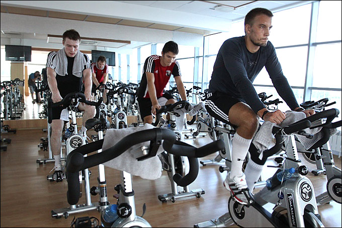 """Хоккеисты """"Трактора"""" приступили к первому тренировочному циклу"""