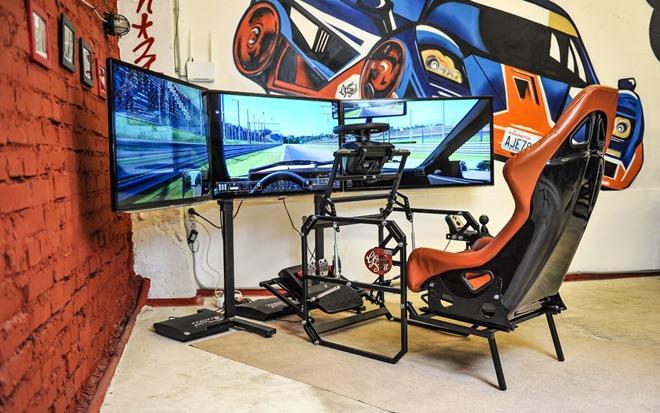 Несколько секунд — и гоночное кресло готово к работе