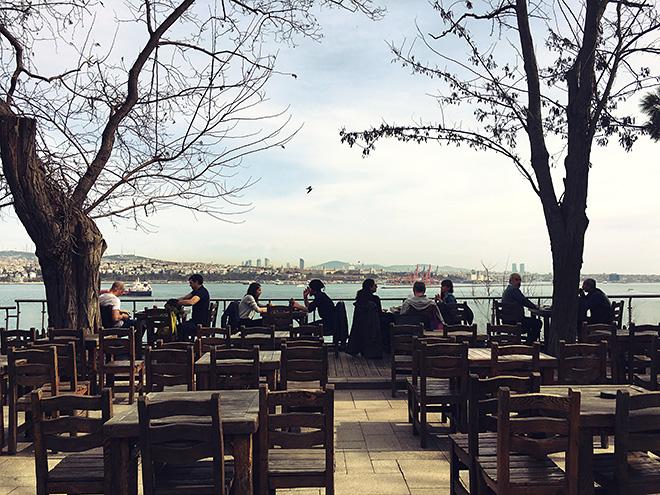 «Поискав приключений в обеих частях города, мы нашли только приятную погоду»