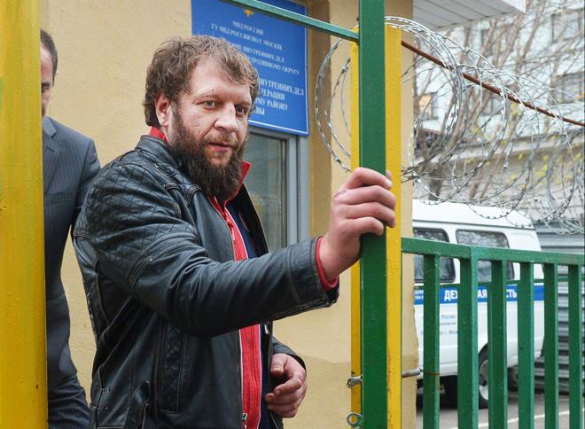 Александр Емельяненко стал фигурантом очередного громкого скандала