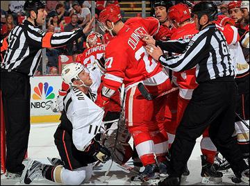 """6 мая 2013 года. Детройт. Плей-офф НХЛ. 1/8 финала. Матч № 4. """"Детройт"""" — """"Анахайм"""" — 3:2 (ОТ)"""