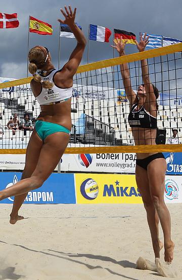 Пляжный волейбол. Anapa Open. Атакует россиянка Светлана Попова