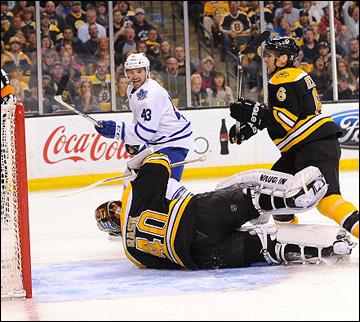 """4 мая 2013 года. Бостон. Плей-офф НХЛ. 1/8 финала. Матч № 2. """"Бостон"""" — """"Торонто"""" — 2:4. Проход Назима Кадри"""