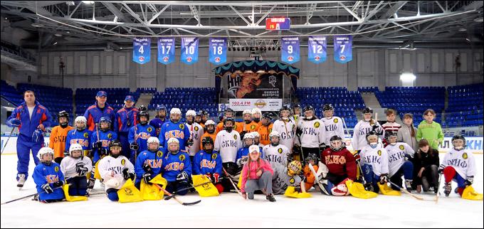 """Нижегородский хоккейный клуб """"СКИФ"""" отметил своё 15-летие"""
