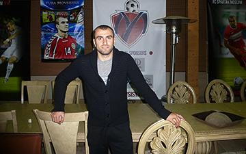 Юра Мовсисян в домашней обстановке