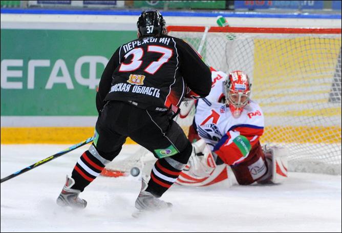 19.11.2010. КХЛ. Авангард - Локомотив - 3:2 (ОТ). Фото 04.