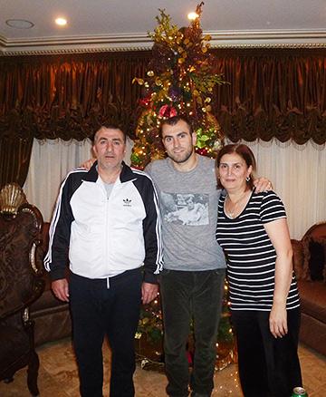 Юра Мовсисян с родителями