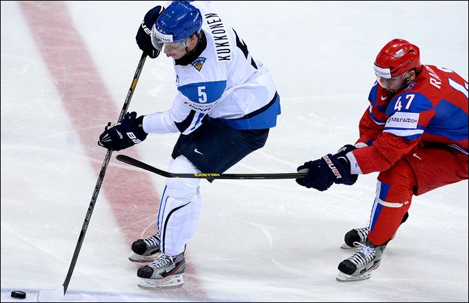 Лассе Кукконен в матче против сборной России