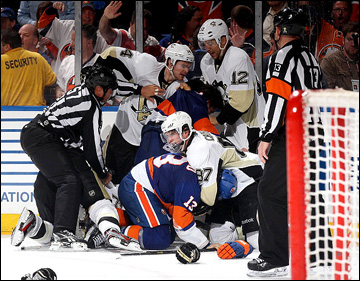 """7 мая 2013 года. Нью-Йорк. Плей-офф НХЛ. 1/8 финала. Матч № 4. """"Айлендерс"""" — """"Питтсбург"""" — 6:4"""