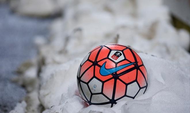 Зимний футбол  как выбрать экипировку и переобуться вовремя   Nova Sport 85ab2548fcb